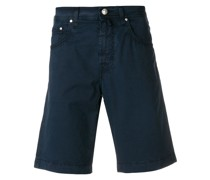 knee-length fitted shorts