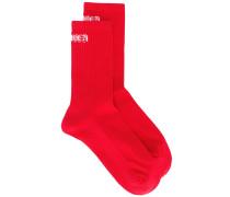 Gerippte Socken mit Logo