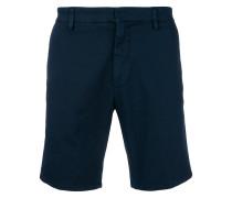 Eng geschnittene Shorts