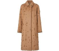 Verzierter Mantel