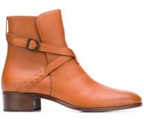 Stiefel mit Schnalle