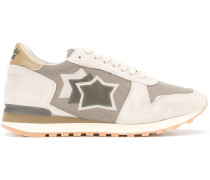 Sneakers mit Stern-Patch