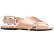 Sandalen mit seitlicher Schnalle