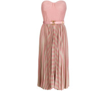 Halterloses Kleid mit Falten