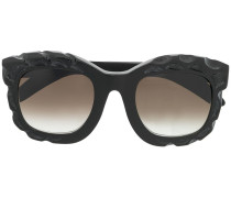 Brille mit geprägtem Rahmen