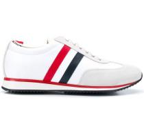 Sneakers mit RWB-Streifen