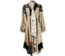 Kleid mit Schal