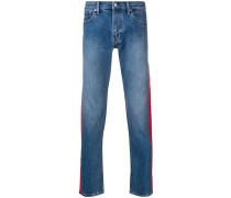 Jeans mit Seiteneinsätzen