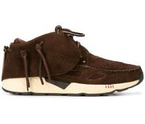 Chukka-Sneakers mit Schnürung