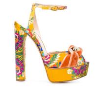 Sandalen mit floraler Stickerei