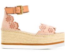Sandalen mit gewellten Details