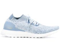 Sneakers mit strukturierter Sohle