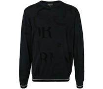Pullover mit aufgestickten Buchstaben