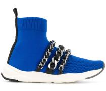 Sneakers mit Kettendetail
