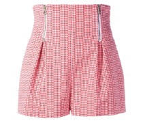 Hoch sitzende Mini-Shorts