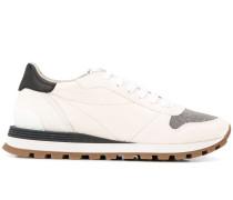 Sneakers mit Kugelkettendetail
