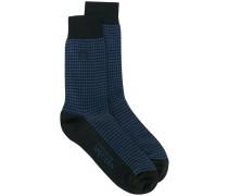 Socken mit Hahnentrittmuster