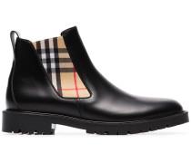 Chelsea-Boots mit Karoeinsätzen