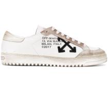 Sneakers mit Kabelbinderdetail