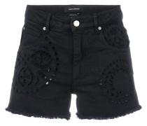 Kurze Jeans-Shorts mit Lochstickerei