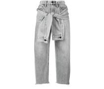 Jeans mit geknoteten Ärmeln