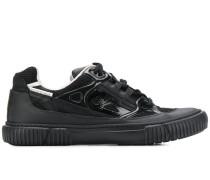 Sneakers mit gerippter Sohle