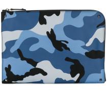 Garavani Clutch mit Camouflage-Print