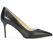 Perfect pointed toe pumps