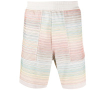 Knielange Shorts mit Stickerei