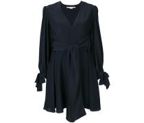 Kurzes Kleid mit Knotendetails