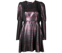 Kleid mit schmaler Taille