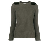 Gerippter Pullover mit Schulter-Patch