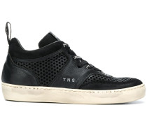 'Iconic 17' Sneakers