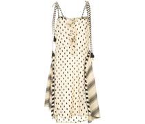 Gepunktetes Kleid mit Knoten