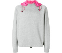Sweatshirt mit Kontrastkapuze