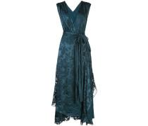 Gewickeltes Kleid im Wet-Look