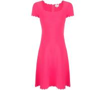 Kleid mit Wellenkanten