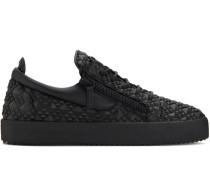 Frankie studs low-top sneakers