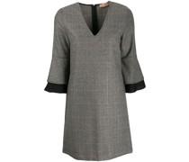 Kariertes Kleid mit V-Ausschnitt