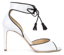 Sandalen mit kontrastierenden Details