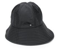 Hut mit Reißverschlussdetail