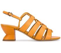 Sandalen mit strukturiertem Absatz