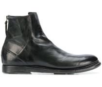 Stiefel mit runder Kappe