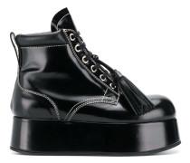 Stiefel mit Plateau-Sohle