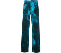 Weite Jeans mit Batikmuster