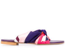 Sandalen mit Satin-Riemen
