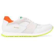 Sneakers mit Neondetails