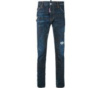 Jeans mit Broschen