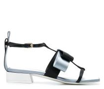 Sandalen mit eckiger Kappe