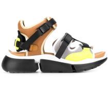 Sandalen aus Funktionsstoff